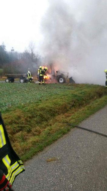 Brand eines Radladers Dezember 2015
