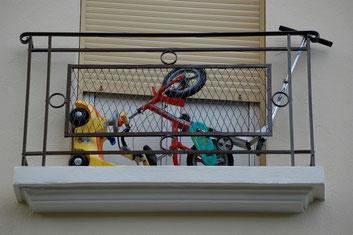 Balkon? Fahrradständer? Funktionsuntauglich!