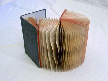PAPIER-art ART-papier, Buchobjekt aus Papier, Papierkunst, Harald Metzler, Mattsee, Austria
