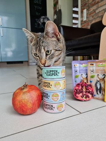 Wie der Name des Futterherstellers schon andeutet, ist in dem Futter von GranataPet ein Anteil Granatapfel enthalten.