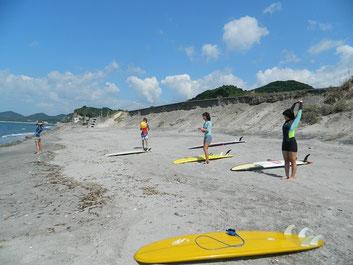今日も日曜パドリング例例会!海でビーチボールバレーしようと思ったけど、風があって難しかった・・(笑)