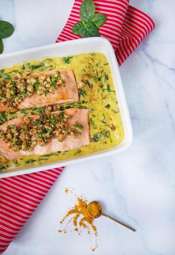 Zalm in curry met spinazie en mosterdkruidenkorst