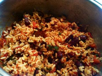 Reis und Bohnen, ein gesundes Grundnahrungsmittel in vielen Teilen der Welt