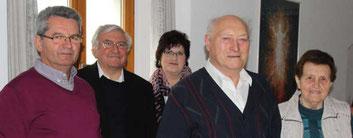 Hermann und Maria Krapfl (re.) sind 64 Jahre verheiratet. Alois Eiber, Gertraud Maier und Pfarrer Wolfgang Häupl gratulierten.