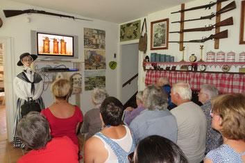 Visite virtuelle commentée du premier étage depuis le rez-de chaussée - Musée Paysan d'Émile.