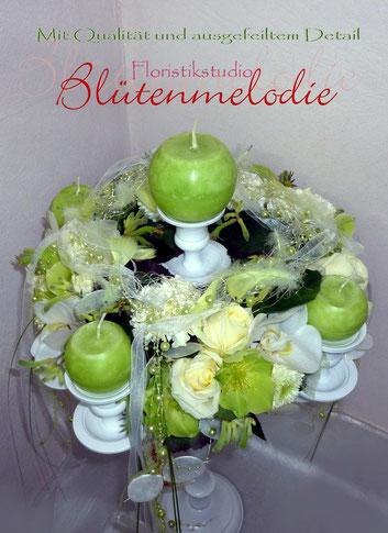 Tischdeko/Blütenkranz für Kerzenständer