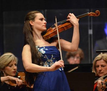 'Fantastic soloist': Lea Birringer plays Mendelsohn's Violin Concerto