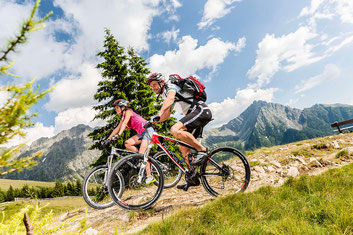 Dank des milden Klimas in Schenna/Südtirol ist Mountainbiken dort von März bis November möglich. / Foto: Tourismusverein Schenna/Klaus Peterlin