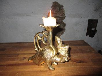 Es war eine riesen Freude diesen Leuchter zu finden. Einer unserer Schätze.