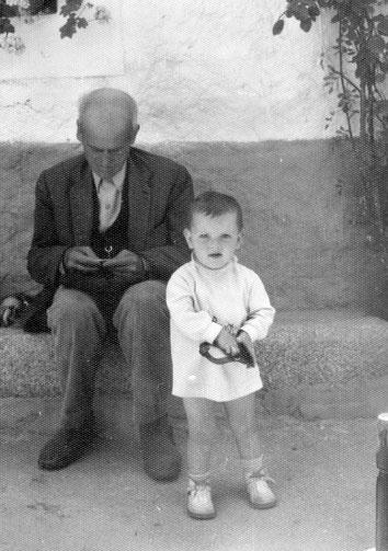 Abuelo Alejo y Juli. P. Privada.
