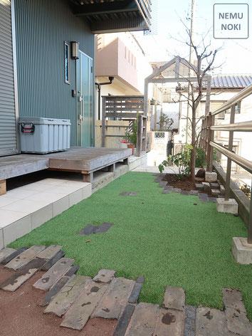 アンティークレンガ、人工芝、固まる土舗装、ウッドデッキ、タイル、施工例