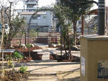 ウッドフェンス、縦格子、坪庭、ガーデン、ライトアップ、施工例