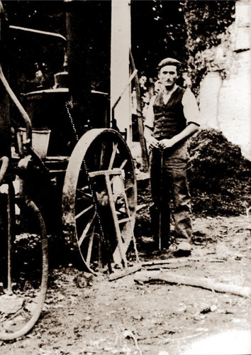 René,fils du createur de la distillerie