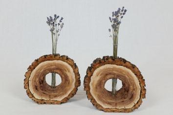 Vasen aus Mirabellenholz