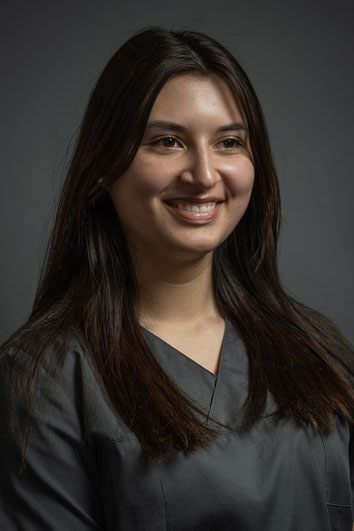 Auszubildende Dentalassistentin Jovana Stanisavljevic