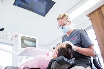 Professionelle Zahnreinigung in Bern in der Zahninsel