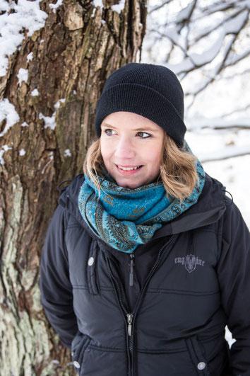 Portrait photo corpo guide plein air femme blanche  Jessica Racine-Lehoux PDG CEO Évasions Canadiana au Québec Canada par Marie Deschene photographe pour Pakolla