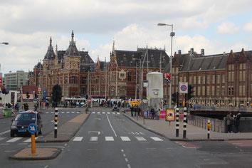 Wir sind in Amsterdam angekommen.