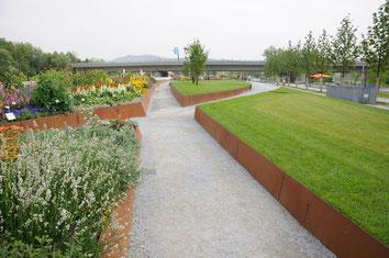 """Die """"Deichgärten"""" - quasi die Dachbegrünung des Parkhauses"""