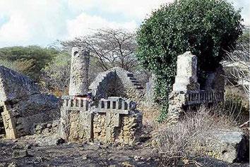 Kiunga Tomb D