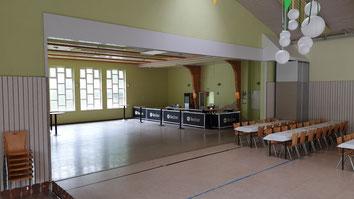 Blick in die kleine Halle, Thekenbereich