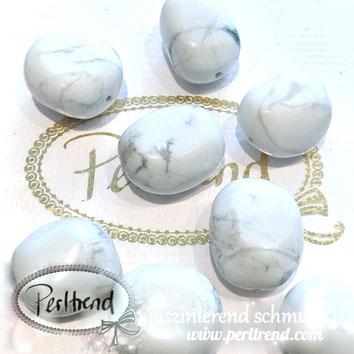 www.perltrend.com Edelsteine Gemstones Steine Perlen Heilsteine Schmuck Schmuckdesign Perltrend Luzern Schweiz Onlineshop Perle Schmuckstein  Howlith weiss grau beige Nugget 20 - 25 mm