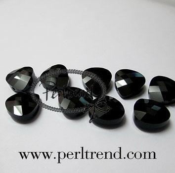 Perltrend Luzern Schweiz Onlineshop Schmuck Perlen Accessoires Verarbeitung Design Swarovski Crystals Crystal original Briolette Flat Pear Pendant Anhänger Jet schwarz 10 mm