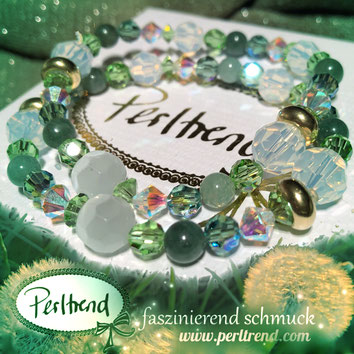 www.perltrend.com Perltrend Luzern Schweiz Onlineshop Schmuck Jewellery Jewelry Perlen Pearls Accessoires Schmuckdesign  Design by Perltrend Armschmuck Blossom  Bracelet Armband  Grün Weiss Magic Blowballs