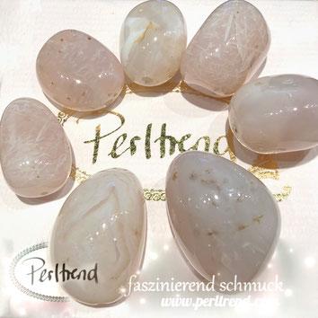 www.perltrend.com Edelsteine Gemstones Steine Perlen Heilsteine Schmuck Schmuckdesign Perltrend Luzern Schweiz Onlineshop Rosa Chalcedon Nugget