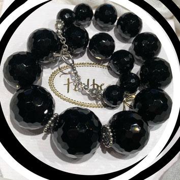 www.perltrend.com Halsschmuck schwarz Kette Necklace Perltrend Luzern Schweiz Onlineshop black beauty Halsschmuck