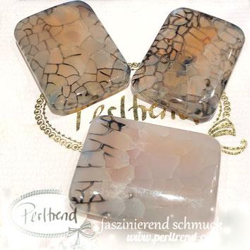 www.perltrend.com Edelsteine Gemstones Steine Perlen Heilsteine Schmuck Schmuckdesign Perltrend Luzern Schweiz Onlineshop Achat Iris Schlangenachat schwarz Rechteck viereckig Perle Schmuckstein