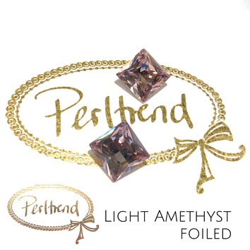 www.perltrend.com Swarovski Crystal Elements original Crystals Perltrend Luzern Schweiz Onlineshop Schmuck Jewellery Schmuckverarbeitung facettet facettierte Cabochons Crystal facettiert Fancy Stones Princess Square 4447 12 mm Light Amethyst