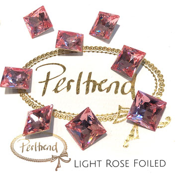 www.perltrend.com Swarovski Crystal Elements original Crystals Perltrend Luzern Schweiz Onlineshop Schmuck Jewellery Schmuckverarbeitung facettet facettierte Cabochons Crystal facettiert Fancy Stones Princess Square 4447 12 mm Light Rose