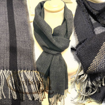 Perltrend Luzern Schweiz Onlineshop www.perltrend.com Schmuck Accessoires Mode Schal Schals Foulard Halstuch Karomuster kariert gemustert Karo Streifen ZickZack schwarz, grau, beige