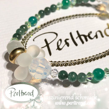 www.perltrend.com Perltrend Luzern Schweiz Onlineshop Schmuck Jewellery Jewelry Perlen Pearls Accessoires Schmuckdesign  Design by Perltrend Armschmuck Blossom  Bracelet Armband  Grün Weiss Zauberhafte Pusteblumen