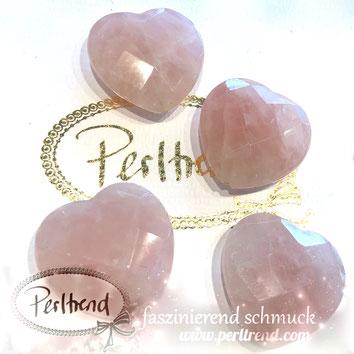 www.perltrend.com Edelsteine Gemstones Steine Perlen Heilsteine Schmuck Schmuckdesign Perltrend Luzern Schweiz Onlineshop Rosenquarz rosa pink Herz heart facettiert