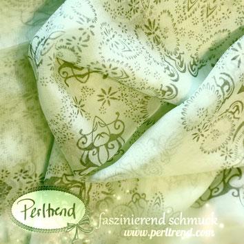 www.perltrend.com Perltrend Luzern Schweiz Schmuck Mode Accessoires Schal TücherFoulards Viscose Black Ornament rosa beige hellgrün mit schwarzem Ornament Muster