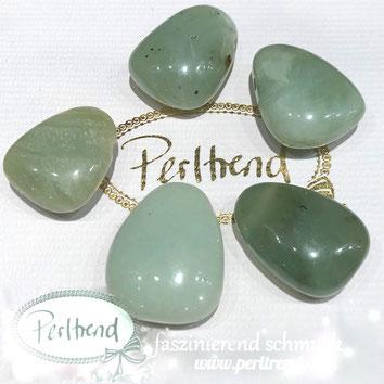 Edelstein Jade China Serpentin Anhänger Perlen www.perltrend.com Gemstone Pendant Perltrend Luzern Schweiz grün jadegrün Schmuck