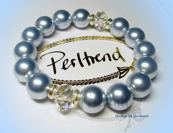 www.perltrend.com Arm Schmuck Blau Pearls hellblau babyblau Perlen Bracelet Armband Swarovski Crystal silber Schmuck Jewellery Jewelry Luzern Schweiz Onlineshop Perltrend Big Light Blue Crystaly Pearls