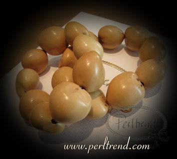 Perltrend www.perltrend.com Arm Schmuck Nüsse Kukuinüsse Nuss Nuts beige Perltrend Luzern Onlineshop Schweiz