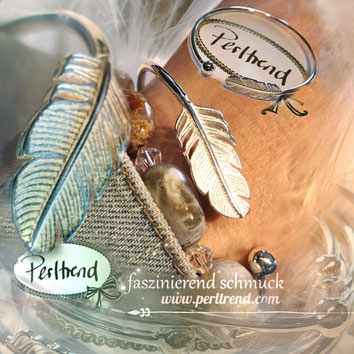 www.perltrend.com Armschmuck silber silberfarben Armreit Armschmuck Perltrend Luzern Schweiz Onlineshop Schmuck Jewellery Jewelry Fashion Accessoires Modeschmuck Feder Kraft Stärke