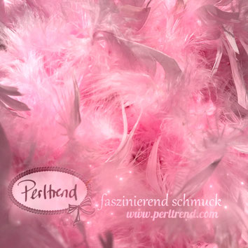 www.perltrend.com Perltrend Luzern Schweiz Onlineshop Schmuck Perlen Accessoires Federboas Federboa Federn Feder Boa Dekoration Fasnacht Hochzeit Party Highlight nähen kreativ basteln rosa hellrosa pink