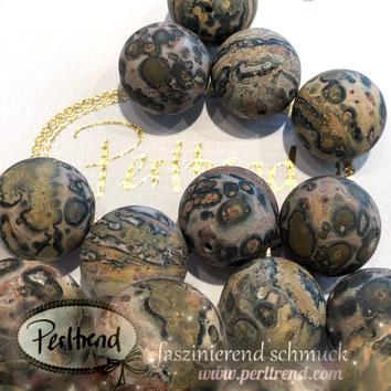 www.perltrend.com Perltrend Luzern Schweiz Onlineshop $chmuck Perlen Schmuckdesign Edelsteine Edelstein Gemstone goldstone Goldfluss gold golden glitzer Heilsteine Schmuckstein Edelsteinperlen Leoparden Jaspis bunt gemustert rund 18 mm