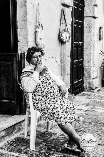 Sicile, sicilia, trinacria, catane, syracuse, titi, grosminet, art, italie, art, travel, love, amour, noir et blanc, black and white, street photography, carcam, je shoote
