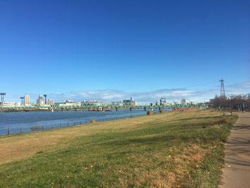 青い空と日本一の信濃川