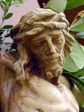 Pluwig. Gertzkreuz. Der gekreuzigte Christus. (Detailansicht)