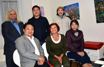 Prof.Dr. Rainer Vollkommer, Prof. Dr. Albert Inyoung Choi, Roy Kim and other international guests with Rajka Poljak in her space