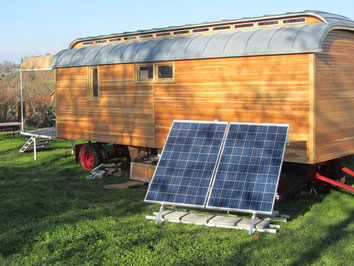 Moveable solar system for Off-grid rolling home in Germany