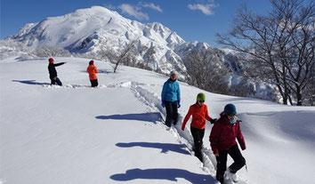 雪の八海山で雪遊び