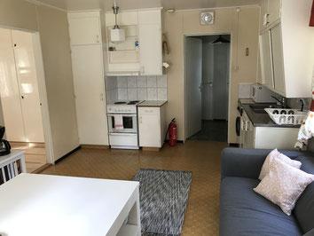 Küche, Blick zu Vorzimmer